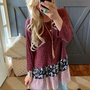 Boho Lace Hem 3/4 Sleeve Knit Tunic Top